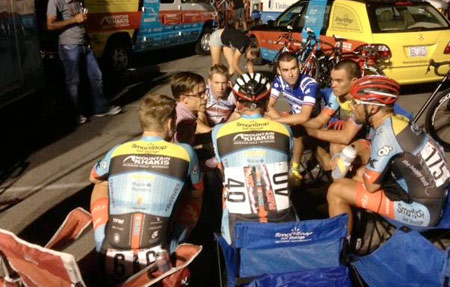 "Prior to the USACrits series finale in Las Vegas, Team Director Mike Creed talks about strategy with the team. There is no white board with Xs and Os and no ""break on three"" but the tone is still serious. That night sprinter Shane Kline clinched the Under 25 Sprinters Jersey while all-rounder Thomas Brown locked up the Lap Leaders jersey."