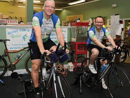 kelly parham (left) rode 3,000 miles on his stationary bike after donating a kidney to peter kite (right).