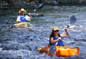 photo-kayaking-rapids