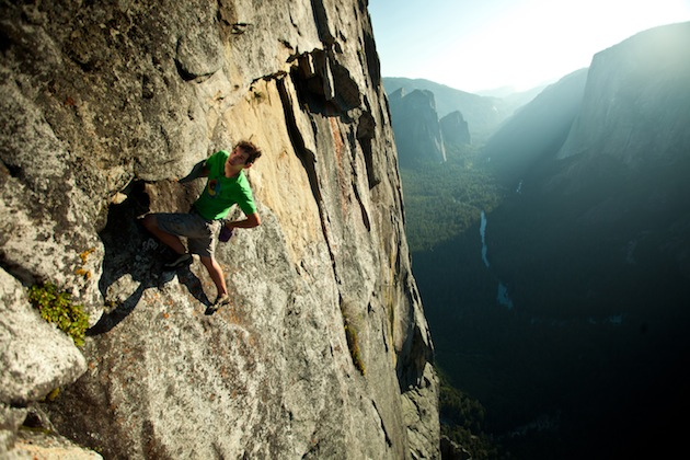 10-Alex-Honnold-free-solo-on-Sentinel-2011-ph-Pete-Mortimer