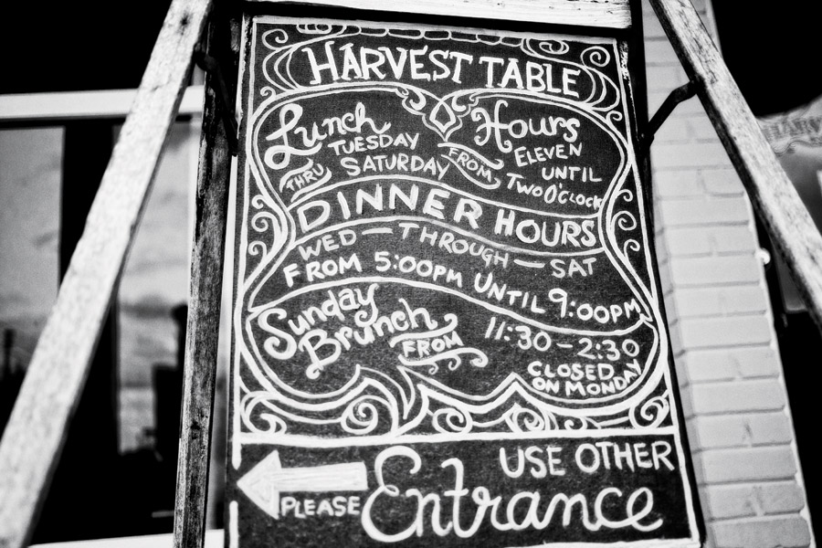 harvest-table-kingsolver
