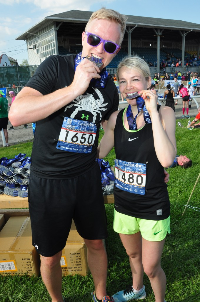Medal-Bite-Couple-FRED15