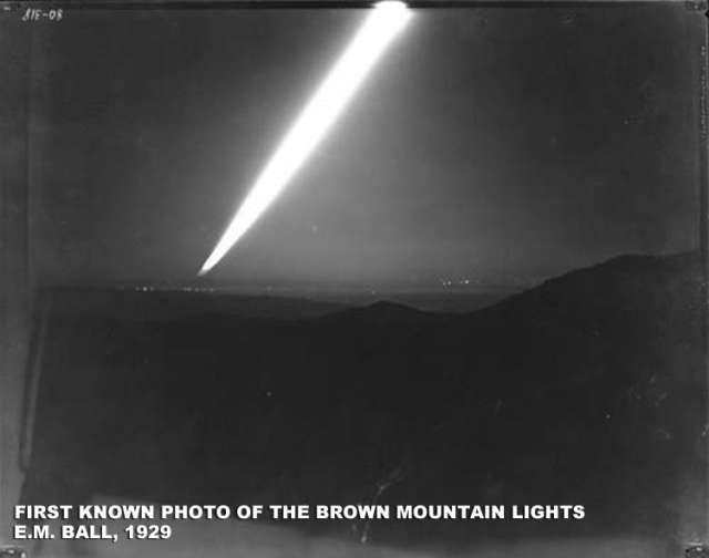 Aliens, Ghosts, and Giant Fireflies: Solving the Mystery of the Brown Mountain Lights