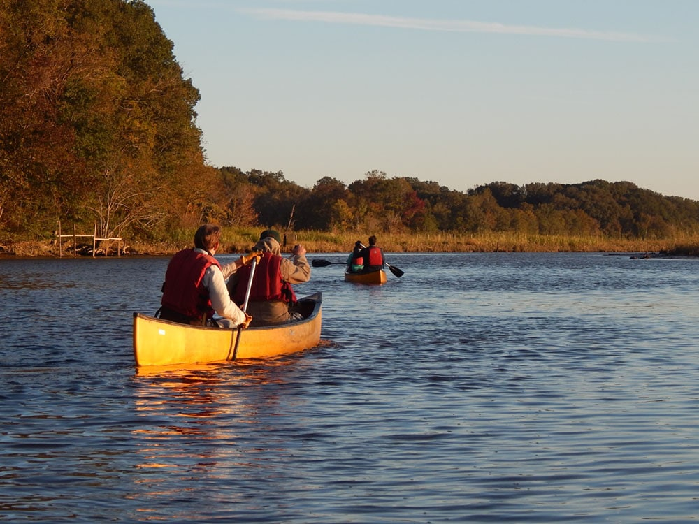 JRA RiverRats canoeing on the James